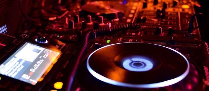Ultrasonic - Rumbo Radio, las voces de la Guia Comercial Formosa